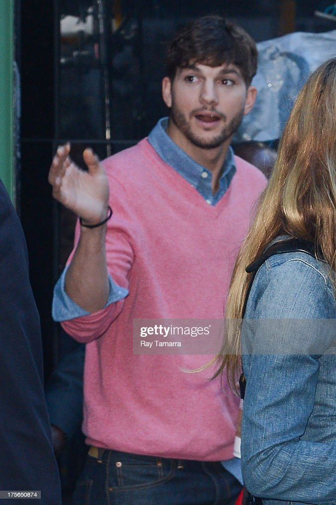 Actor <a gi-track='captionPersonalityLinkClicked' href=/galleries/search?phrase=Ashton+Kutcher&family=editorial&specificpeople=202015 ng-click='$event.stopPropagation()'>Ashton Kutcher</a> leaves the 'Good Morning America' taping at the ABC Times Square Studios on August 5, 2013 in New York City.
