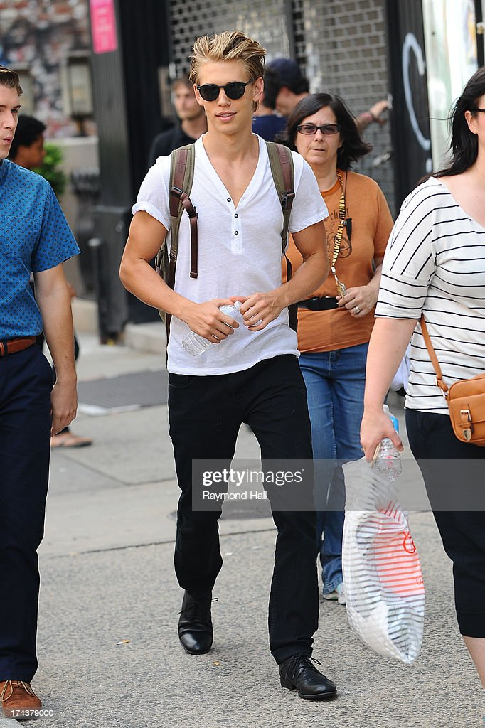 Actor <a gi-track='captionPersonalityLinkClicked' href=/galleries/search?phrase=Austin+Butler&family=editorial&specificpeople=5626394 ng-click='$event.stopPropagation()'>Austin Butler</a> is seen on the set of 'Carrie Diaries'on July 24, 2013 in New York City.
