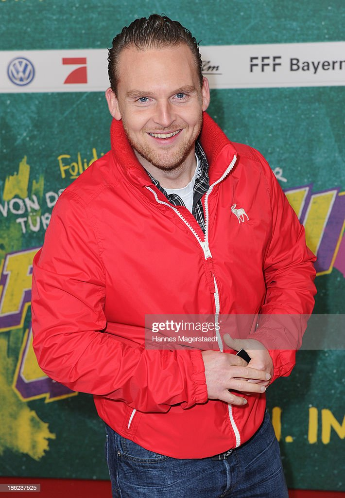 Actor Axel Stein attends the premiere of the film 'Fack Ju Goehte' on October 29, 2013 in Munich, Germany.