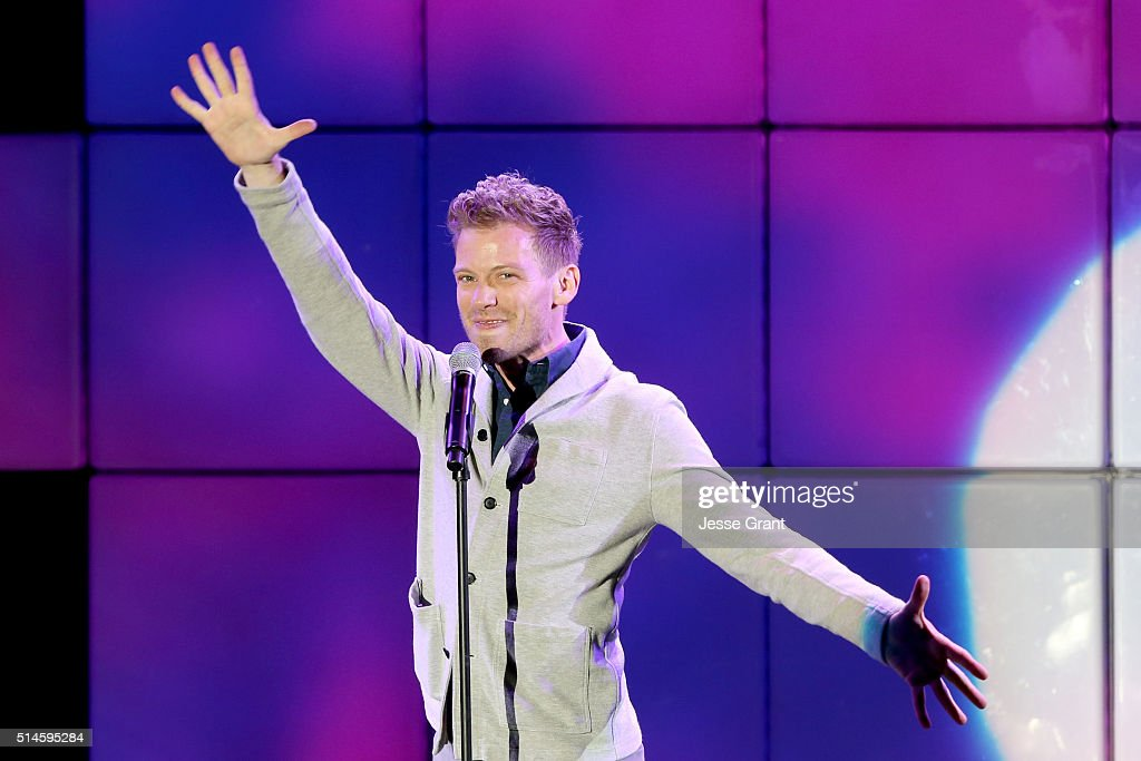 Actor Barrett Foa performs onstage during the 24th and final 'A Night at Sardi's' to benefit the Alzheimer's Association at The Beverly Hilton Hotel on March 9, 2016 in Beverly Hills, California.
