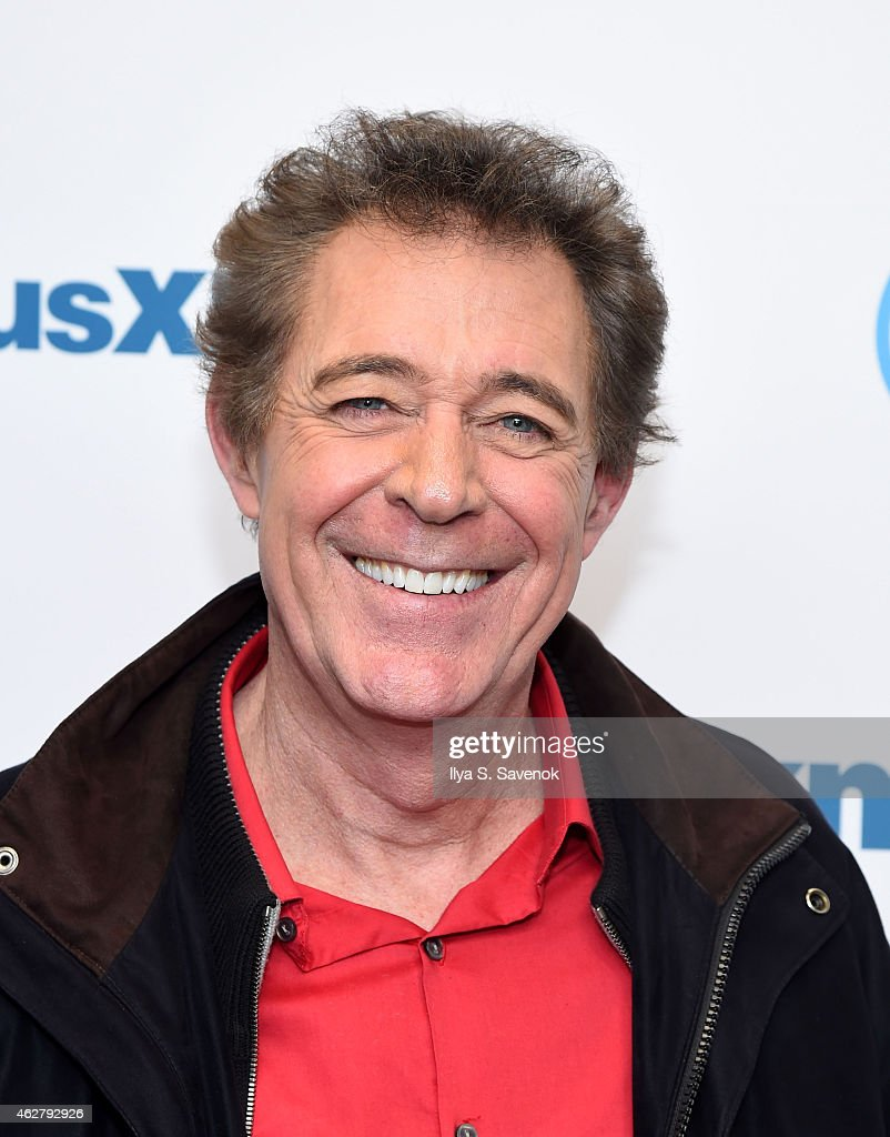 Actor Barry Williams visits the SiriusXM Studios on February 5, 2015 in New York... Show more - actor-barry-williams-visits-the-siriusxm-studios-on-february-5-2015-picture-id462792926