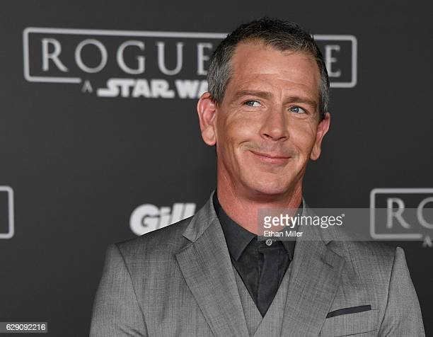Actor Ben Mendelsohn attends the premiere of Walt Disney Pictures and Lucasfilm's 'Rogue One A Star Wars Story' at the Pantages Theatre on December...