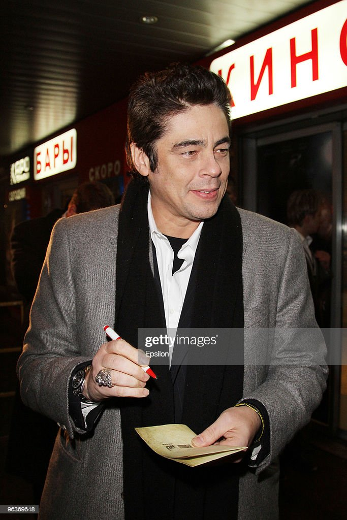 Actor Benicio Del Toro at attends at Russian premiere of 'The Wolfman' on February 2, 2010 in Moscow.