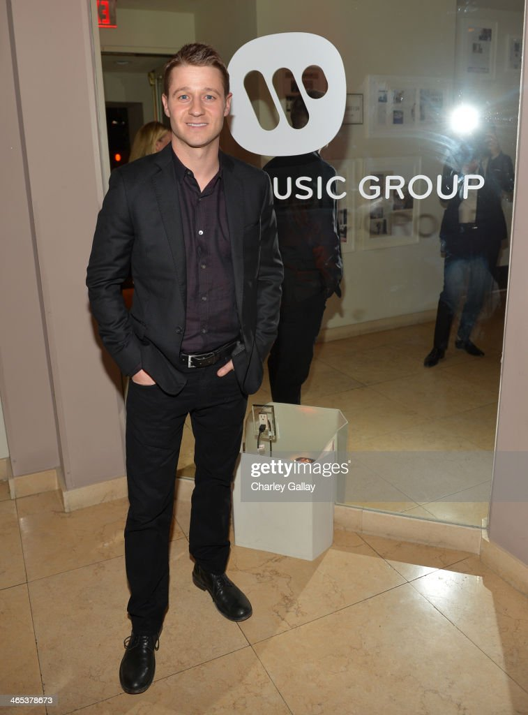 Actor <a gi-track='captionPersonalityLinkClicked' href=/galleries/search?phrase=Benjamin+McKenzie&family=editorial&specificpeople=213315 ng-click='$event.stopPropagation()'>Benjamin McKenzie</a> attends the Warner Music Group annual GRAMMY celebration at Sunset Tower on January 26, 2014 in West Hollywood, California.