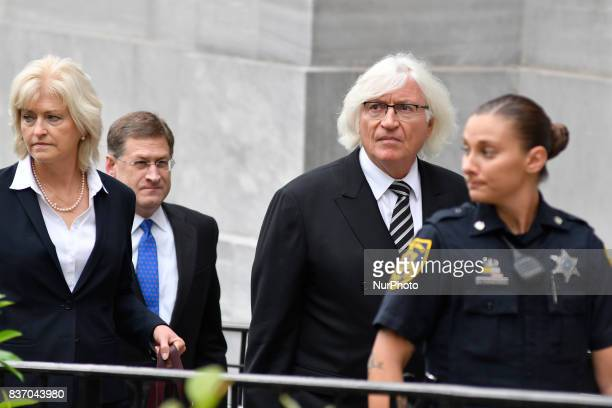 US Actor Bill Cosby arrives with his new defense team including attorney ThomasMesereau for a pretrial hearing at Montgomery County Courthouse in...