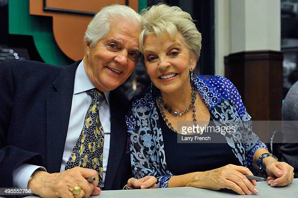 Actor Bill Hayes and actress Susan Seaforth Hayes appears at the 'Days Of Our Lives' Book Signing Barnes And Noble on November 3 2015 in Bethesda...