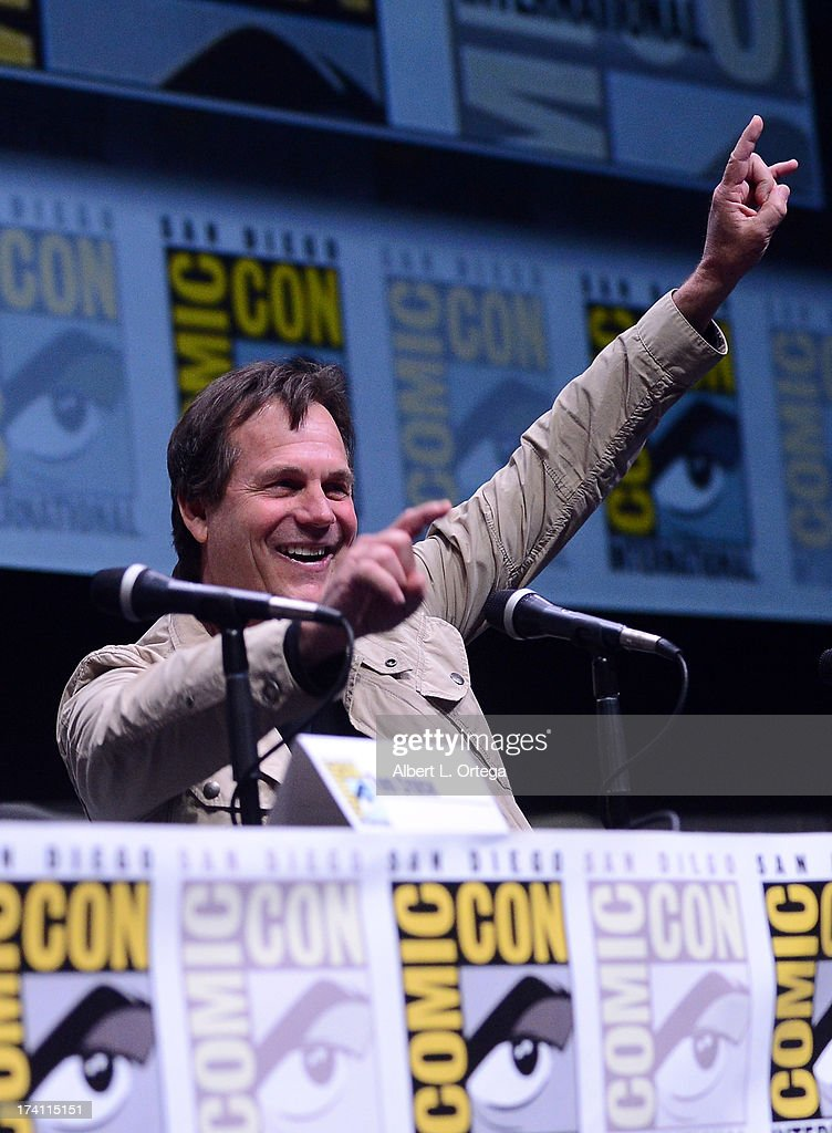 Actor <a gi-track='captionPersonalityLinkClicked' href=/galleries/search?phrase=Bill+Paxton&family=editorial&specificpeople=241223 ng-click='$event.stopPropagation()'>Bill Paxton</a> speaks onstage at the Warner Bros. and Legendary Pictures preview of 'Edge of Tomorrow' during Comic-Con International 2013 at San Diego Convention Center on July 20, 2013 in San Diego, California.