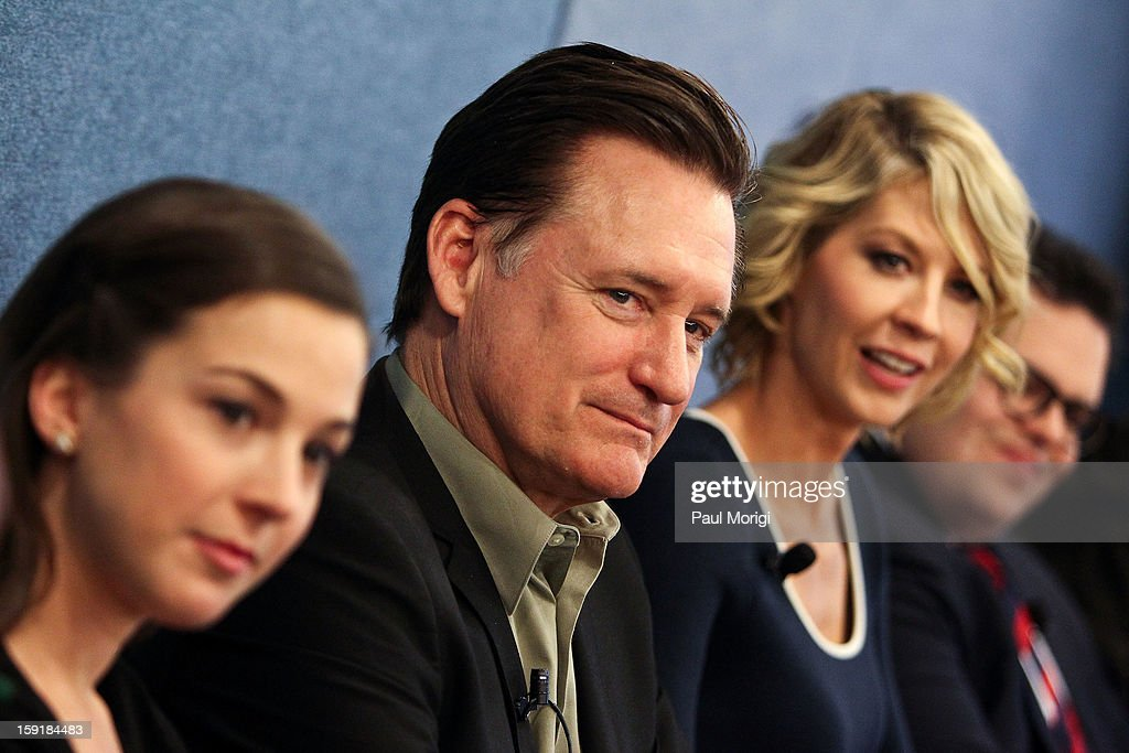 Actor <a gi-track='captionPersonalityLinkClicked' href=/galleries/search?phrase=Bill+Pullman&family=editorial&specificpeople=226899 ng-click='$event.stopPropagation()'>Bill Pullman</a> (C) attends the cast of '1600 Penn' discussion at The National Press Club on January 9, 2013 in Washington, DC.