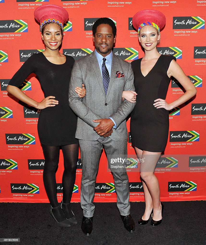Actor <a gi-track='captionPersonalityLinkClicked' href=/galleries/search?phrase=Blair+Underwood&family=editorial&specificpeople=215367 ng-click='$event.stopPropagation()'>Blair Underwood</a>(center) poses for a photo with models representing The South African Tourism Bureau at the 2014 Ubuntu Awards at Gotham Hall on April 1, 2014 in New York City.