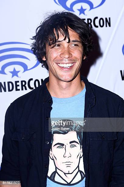 Actor Bob Morley attends the 100 panel on day 3 of WonderCon 2016 at Los Angeles Convention Center on March 27 2016 in Los Angeles California