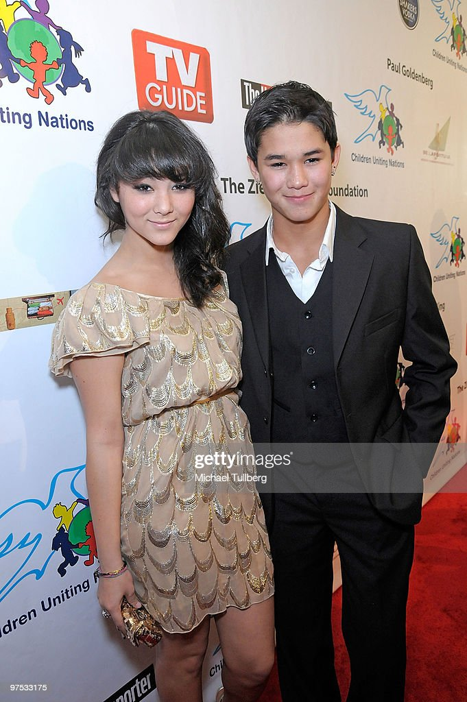 Actor Boo Boo Stewart (R) arrives with sister Fivel Stewart at the 11th Annual Children Uniting Nations Oscar Celebration, held at the Beverly Hilton Hotel on March 7, 2010 in Beverly Hills, California.