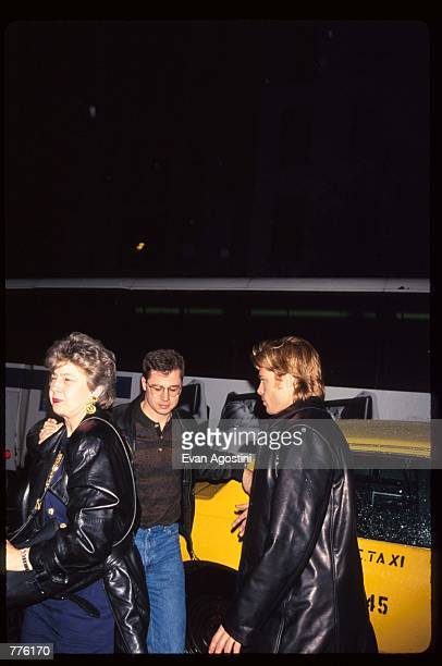 Actor Brad Pitt arrives with his mother and brother at Morgan's Bar March 28 1996 in New York City Celebrities and models attended a party...