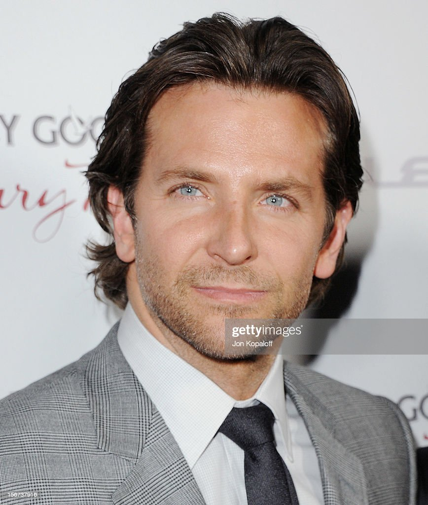Actor <a gi-track='captionPersonalityLinkClicked' href=/galleries/search?phrase=Bradley+Cooper&family=editorial&specificpeople=680224 ng-click='$event.stopPropagation()'>Bradley Cooper</a> arrives at the Los Angeles Premiere 'Silver Linings Playbook' at the Academy of Motion Picture Arts and Sciences on November 19, 2012 in Beverly Hills, California.