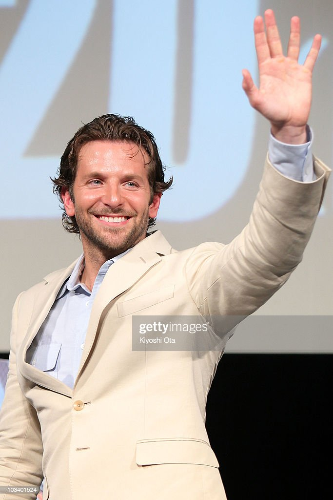 Actor Bradley Cooper waves to fans as he attends a stage greeting for the Japan Premiere of 'The ATeam' at Differ Ariake on August 16 2010 in Tokyo...
