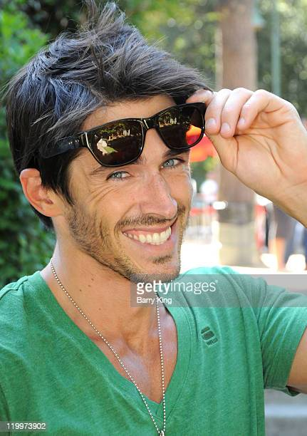 Actor Brandon Beemer attends the Los Angeles Philharmonic and Venice Magazine's 11th Annual Hollywood Bowl PreConcert Picnic held at Camrose Picnic...