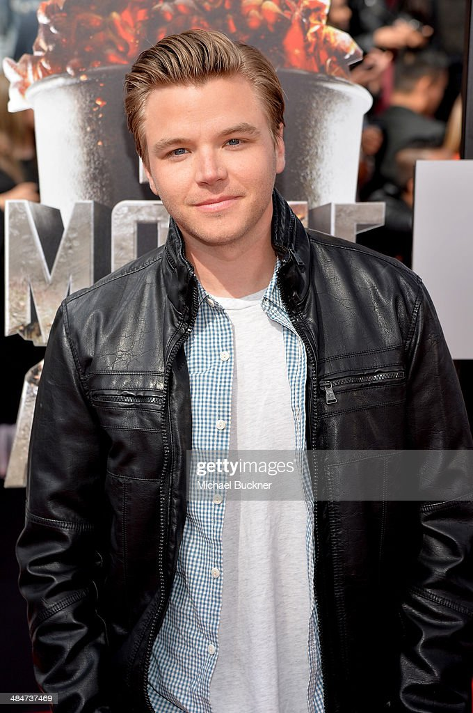 Actor <a gi-track='captionPersonalityLinkClicked' href=/galleries/search?phrase=Brett+Davern&family=editorial&specificpeople=4015517 ng-click='$event.stopPropagation()'>Brett Davern</a> attends the 2014 MTV Movie Awards at Nokia Theatre L.A. Live on April 13, 2014 in Los Angeles, California.