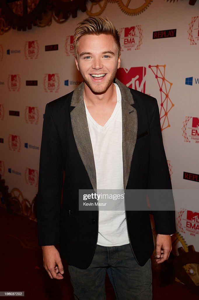 Actor <a gi-track='captionPersonalityLinkClicked' href=/galleries/search?phrase=Brett+Davern&family=editorial&specificpeople=4015517 ng-click='$event.stopPropagation()'>Brett Davern</a> attends the MTV EMA's 2012 at Festhalle Frankfurt on November 11, 2012 in Frankfurt am Main, Germany.