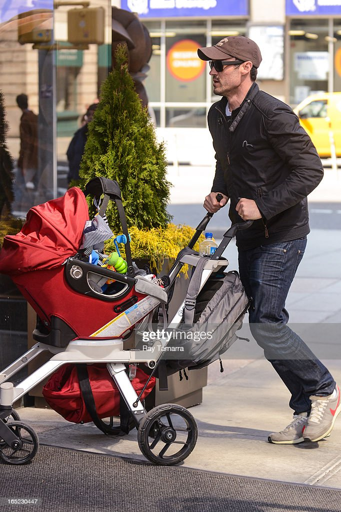 Actor <a gi-track='captionPersonalityLinkClicked' href=/galleries/search?phrase=Brian+Austin+Green&family=editorial&specificpeople=239168 ng-click='$event.stopPropagation()'>Brian Austin Green</a> (R) and Noah Green enter their Soho hotel on April 1, 2013 in New York City.
