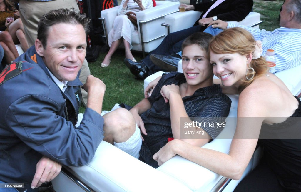 Actor <a gi-track='captionPersonalityLinkClicked' href=/galleries/search?phrase=Brian+Krause&family=editorial&specificpeople=2115671 ng-click='$event.stopPropagation()'>Brian Krause</a>, actor Jamen Krause and actress Anne Leighton attend the Los Angeles Philharmonic and Venice Magazine's 11th Annual Hollywood Bowl Pre-Concert Picnic held at Camrose Picnic area on July 26, 2011 in Hollywood, California.