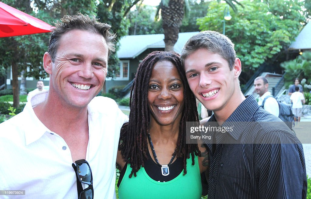 Actor <a gi-track='captionPersonalityLinkClicked' href=/galleries/search?phrase=Brian+Krause&family=editorial&specificpeople=2115671 ng-click='$event.stopPropagation()'>Brian Krause</a>, actress <a gi-track='captionPersonalityLinkClicked' href=/galleries/search?phrase=Debra+Wilson&family=editorial&specificpeople=220334 ng-click='$event.stopPropagation()'>Debra Wilson</a> and actor Jamen Krause attend the Los Angeles Philharmonic and Venice Magazine's 11th Annual Hollywood Bowl Pre-Concert Picnic held at Camrose Picnic area on July 26, 2011 in Hollywood, California.