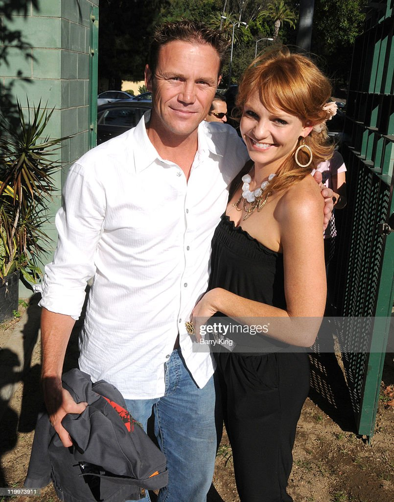 Actor <a gi-track='captionPersonalityLinkClicked' href=/galleries/search?phrase=Brian+Krause&family=editorial&specificpeople=2115671 ng-click='$event.stopPropagation()'>Brian Krause</a> and actress Anne Leighton attend the Los Angeles Philharmonic and Venice Magazine's 11th Annual Hollywood Bowl Pre-Concert Picnic held at Camrose Picnic area on July 26, 2011 in Hollywood, California.