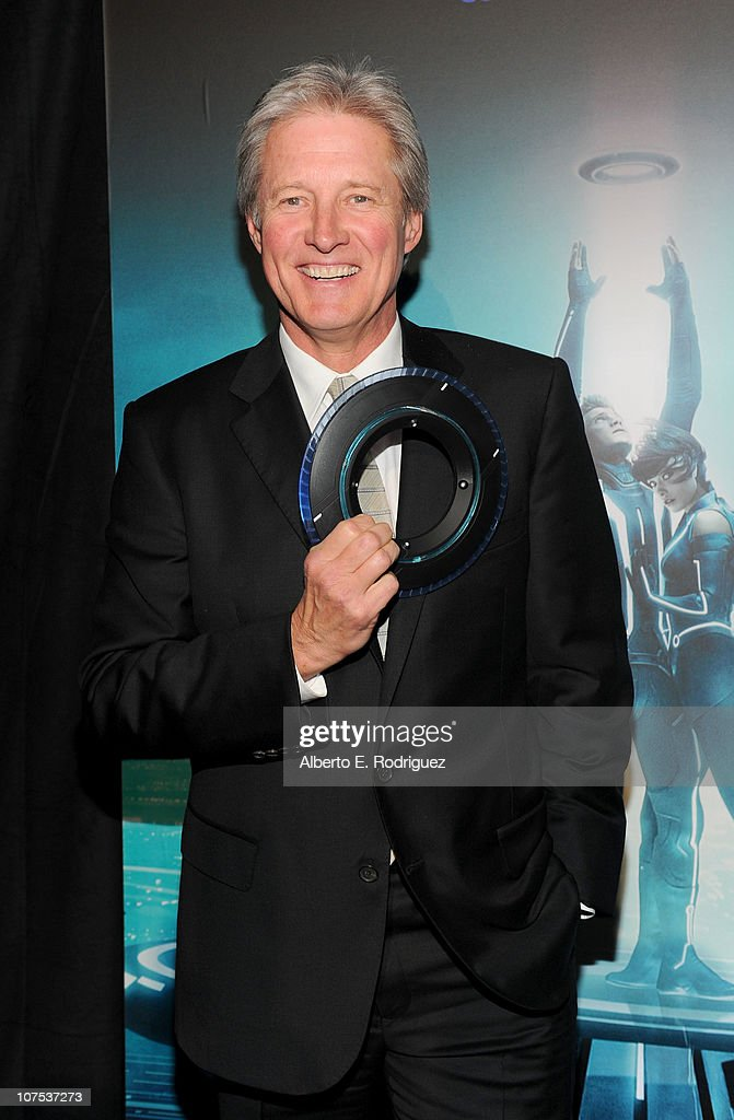 Actor Bruce Boxleitner arrives at Walt Disney's 'TRON: Legacy' premiere held at the El Capitan Theatre on December 11, 2010 in Los Angeles, California.