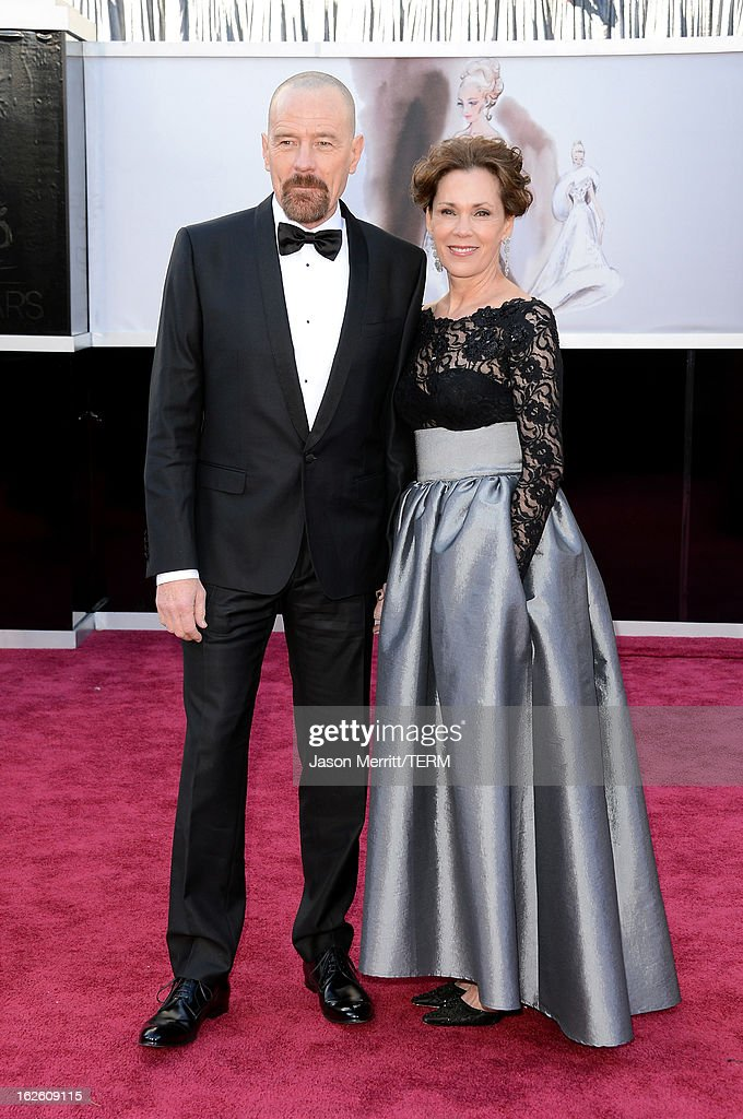Actor Bryan Cranston and wife Robin Dearden arrive at the Oscars at Hollywood & Highland Center on February 24, 2013 in Hollywood, California.