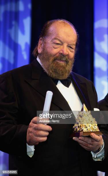 Actor Bud Spencer poses with his award during the Unesco Charity Gala 2009 at the Maritim Hotel on November 14 2009 in Dusseldorf Germany