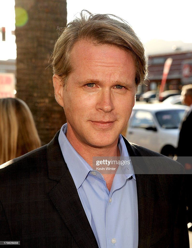 Actor <a gi-track='captionPersonalityLinkClicked' href=/galleries/search?phrase=Cary+Elwes&family=editorial&specificpeople=213810 ng-click='$event.stopPropagation()'>Cary Elwes</a> arrives at the premiere of Warner Bros. 'The Conjuring' at the Cinerama Dome on July 15, 2013 in Los Angeles, California.