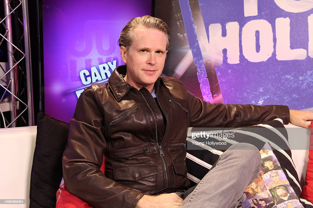 Cary Elwes Visits Young Hollywood Studio
