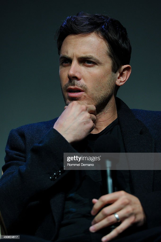 Actor <a gi-track='captionPersonalityLinkClicked' href=/galleries/search?phrase=Casey+Affleck&family=editorial&specificpeople=1539212 ng-click='$event.stopPropagation()'>Casey Affleck</a> attends Meet the Filmmakers 'Out Of the Furnace' at the Apple Store Soho on November 19, 2013 in New York City.