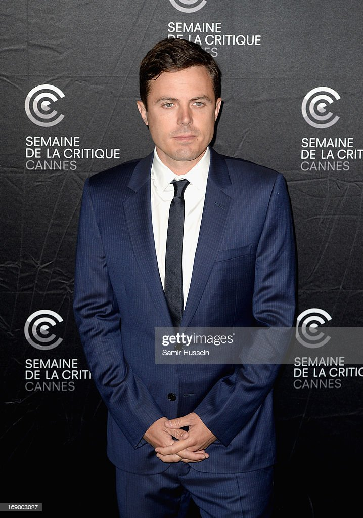 Actor <a gi-track='captionPersonalityLinkClicked' href=/galleries/search?phrase=Casey+Affleck&family=editorial&specificpeople=1539212 ng-click='$event.stopPropagation()'>Casey Affleck</a> poses during the 'Ain't Them Bodies Saints' Photocall during The 66th Annual Cannes Film Festival at the Palais des Festivals on May 18, 2013 in Cannes, France.