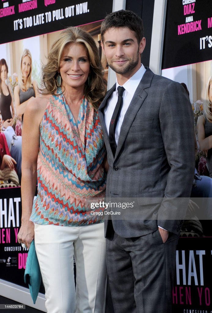 Actor <a gi-track='captionPersonalityLinkClicked' href=/galleries/search?phrase=Chace+Crawford&family=editorial&specificpeople=4238517 ng-click='$event.stopPropagation()'>Chace Crawford</a> and mom Dana arrive at the Los Angeles premiere of 'What To Expect When You're Expecting' at Grauman's Chinese Theatre on May 14, 2012 in Hollywood, California.