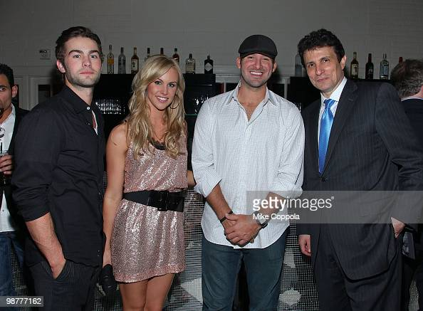 Actor Chace Crawford Candice Crawford professional football player Tony Romo and The New Yorker Magazine editor David Remnick attend the The New...