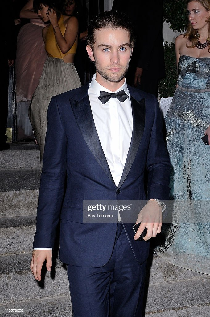 Actor <a gi-track='captionPersonalityLinkClicked' href=/galleries/search?phrase=Chace+Crawford&family=editorial&specificpeople=4238517 ng-click='$event.stopPropagation()'>Chace Crawford</a> leaves the Crown Restaurant on May 2, 2011 in New York City.