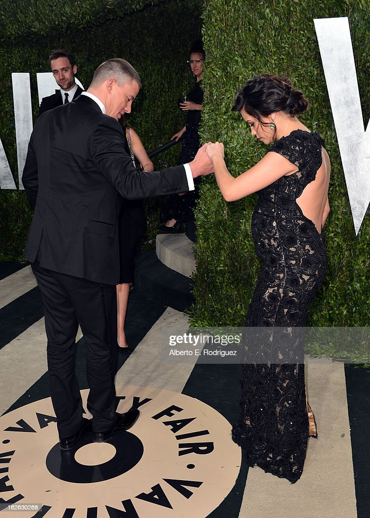 Actor Channing Tatum (L) and actress Jenna Dewan-Tatum arrives at the 2013 Vanity Fair Oscar Party hosted by Graydon Carter at Sunset Tower on February 24, 2013 in West Hollywood, California.