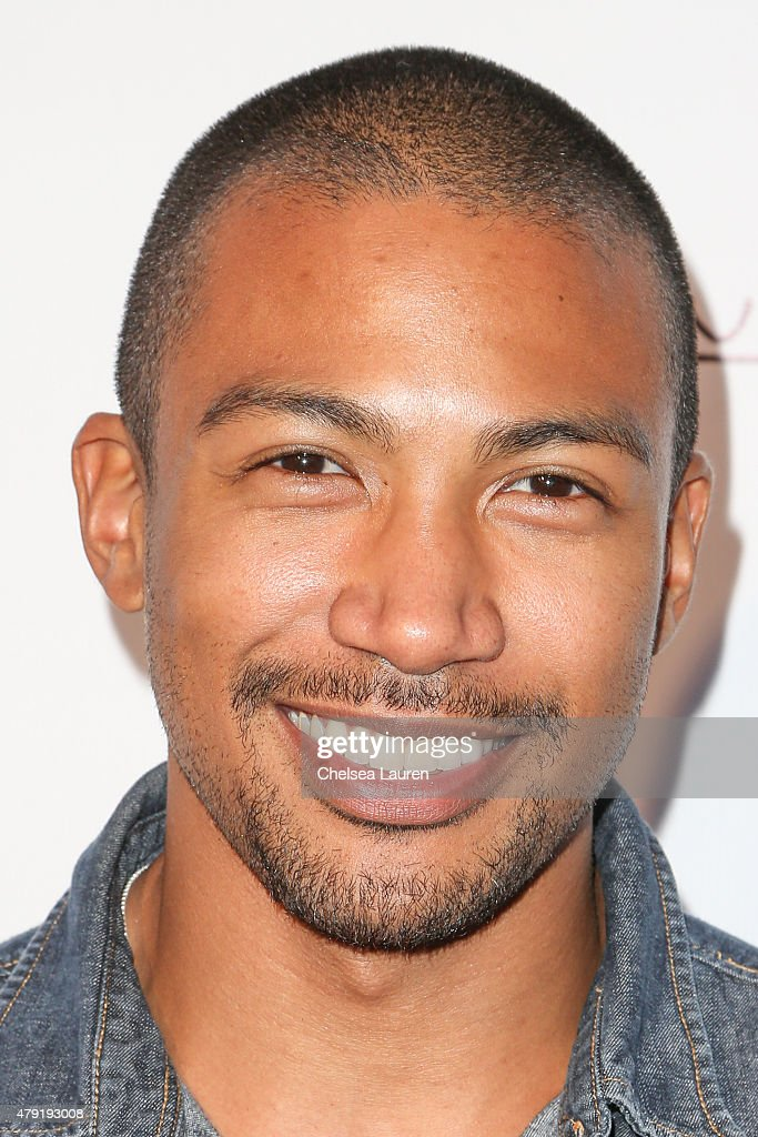 Actor Charles Michael Davis attends the Ur In Analysis screening at the Egyptian Theatre on ... Show more - actor-charles-michael-davis-attends-the-ur-in-analysis-screening-at-picture-id479193008
