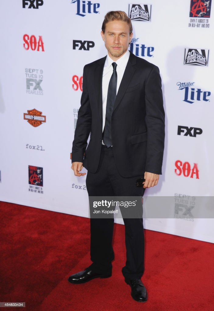 Actor <a gi-track='captionPersonalityLinkClicked' href=/galleries/search?phrase=Charlie+Hunnam&family=editorial&specificpeople=223913 ng-click='$event.stopPropagation()'>Charlie Hunnam</a> arrives at FX's 'Sons Of Anarchy' Premiere at TCL Chinese Theatre on September 6, 2014 in Hollywood, California.