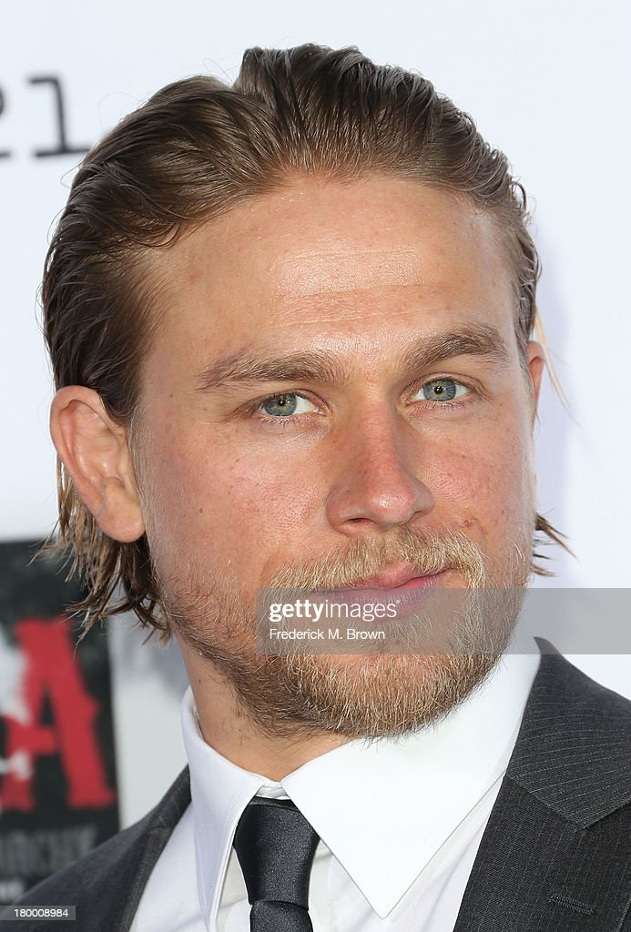 Actor <a gi-track='captionPersonalityLinkClicked' href=/galleries/search?phrase=Charlie+Hunnam&family=editorial&specificpeople=223913 ng-click='$event.stopPropagation()'>Charlie Hunnam</a> attends the Premiere of FX's 'Sons of Anarchy' Season 6 at the Dolby Theatre on September 7, 2013 in Hollywood, California.