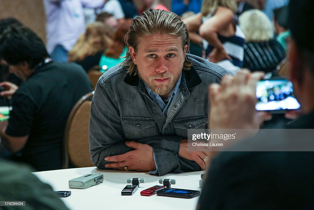 Actor <a gi-track='captionPersonalityLinkClicked' href=/galleries/search?phrase=Charlie+Hunnam&family=editorial&specificpeople=223913 ng-click='$event.stopPropagation()'>Charlie Hunnam</a> attends the 'Sons of Anarchy' press line during day 4 of Comic-Con International on July 21, 2013 in San Diego, California.