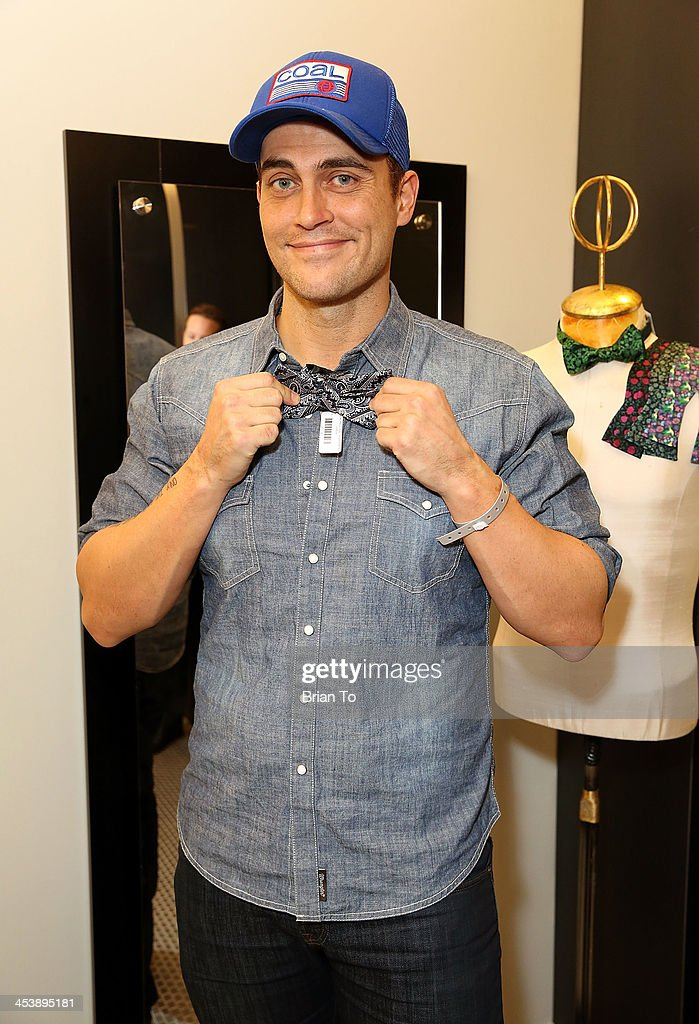 Actor <a gi-track='captionPersonalityLinkClicked' href=/galleries/search?phrase=Cheyenne+Jackson&family=editorial&specificpeople=216481 ng-click='$event.stopPropagation()'>Cheyenne Jackson</a> attends Tie The Knot Pop-Up Store at The Beverly Center on December 5, 2013 in Los Angeles, California.