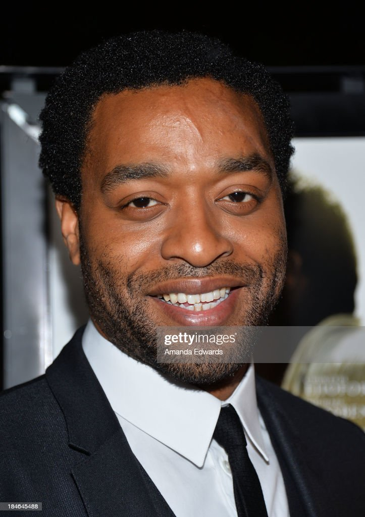 Actor <a gi-track='captionPersonalityLinkClicked' href=/galleries/search?phrase=Chiwetel+Ejiofor&family=editorial&specificpeople=213998 ng-click='$event.stopPropagation()'>Chiwetel Ejiofor</a> arrives at the Los Angeles premiere of '12 Years A Slave' at Directors Guild Of America on October 14, 2013 in Los Angeles, California.
