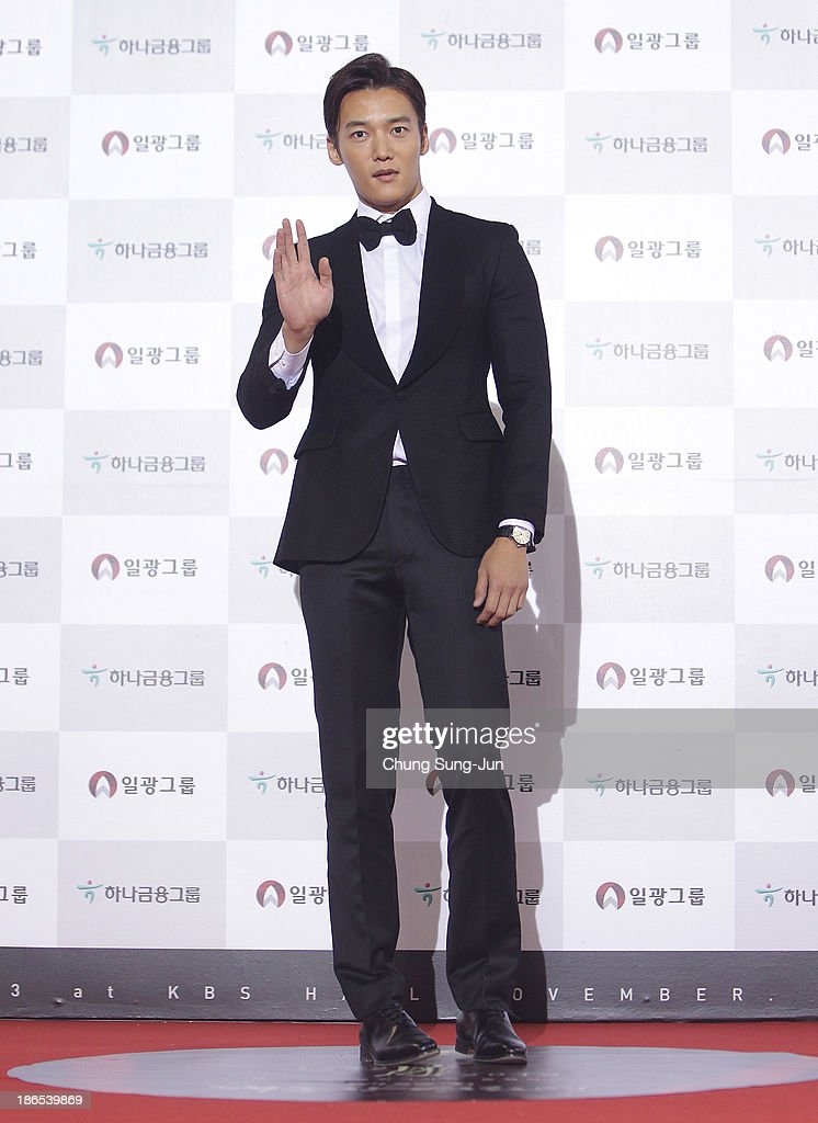 Actor Choi Jin-Hyuk arrives for the 50th Daejong Film Awards at KBS hall on November 1, 2013 in Seoul, South Korea.