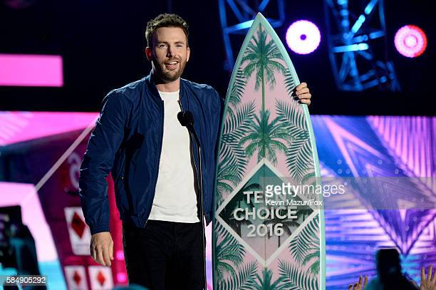 Actor Chris Evans accepts the award for Choice Movie Actor SciFi/Fantasy onstage during Teen Choice Awards 2016 at The Forum on July 31 2016 in...
