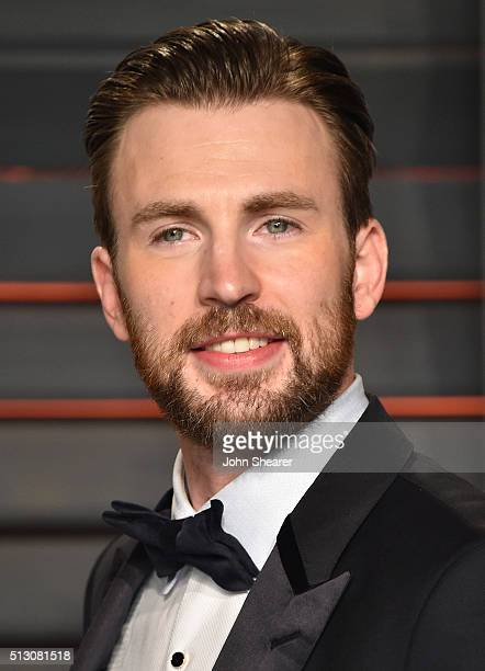 Actor Chris Evans arrives at the 2016 Vanity Fair Oscar Party Hosted By Graydon Carter at Wallis Annenberg Center for the Performing Arts on February...