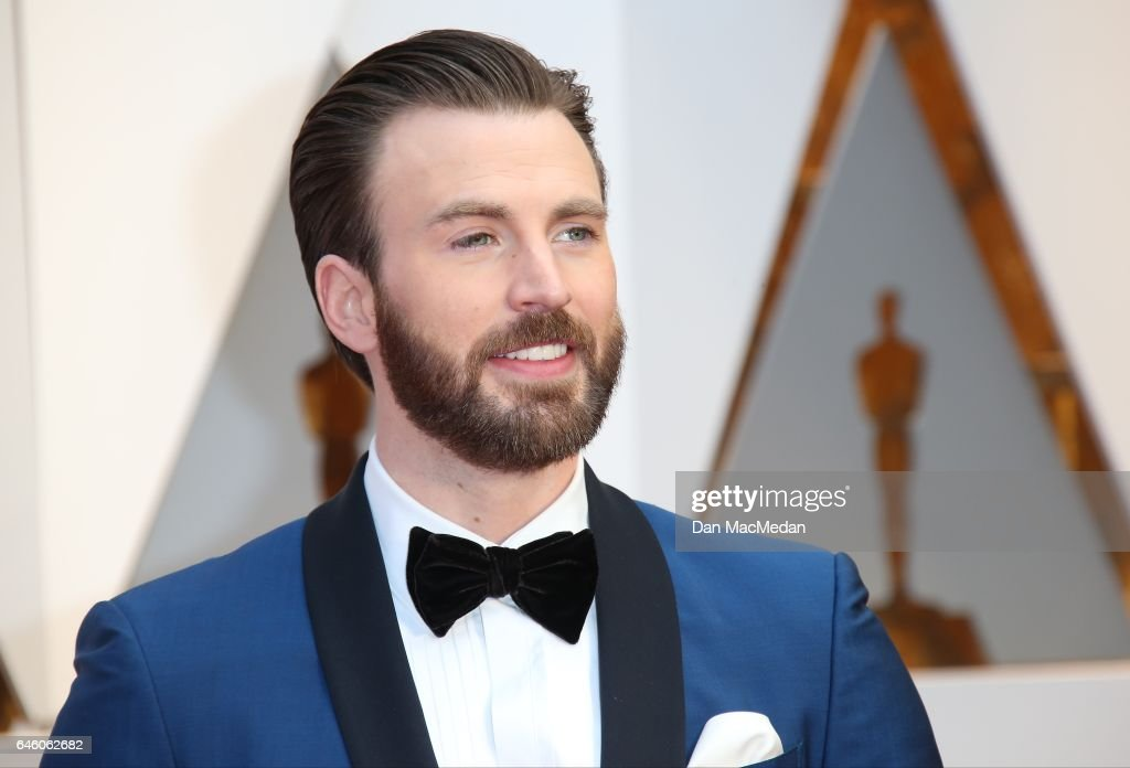 Actor Chris Evans arrives at the 89th Annual Academy Awards at Hollywood & Highland Center on February 26, 2017 in Hollywood, California.