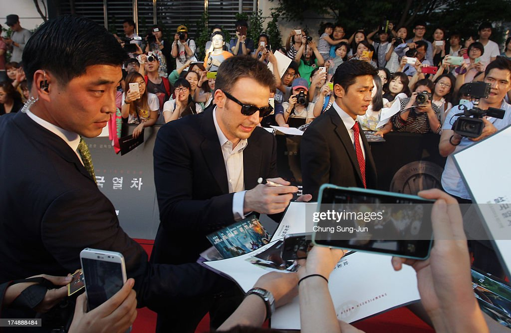 Actor Chris Evans attends the 'Snowpiercer' South Korea premiere at Times Square on July 29, 2013 in Seoul, South Korea. The film will open in South Korea on August 1.
