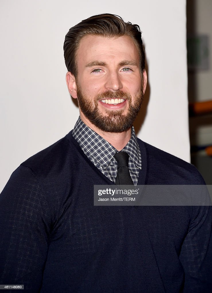 Actor <a gi-track='captionPersonalityLinkClicked' href=/galleries/search?phrase=Chris+Evans+-+Actor&family=editorial&specificpeople=6873149 ng-click='$event.stopPropagation()'>Chris Evans</a> poses in the press room at The 41st Annual People's Choice Awards at Nokia Theatre LA Live on January 7, 2015 in Los Angeles, California.