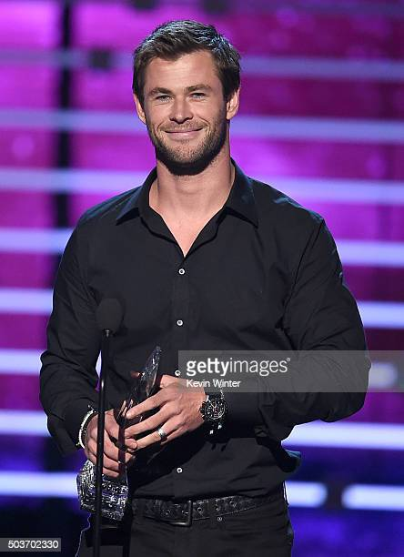 Actor Chris Hemsworth accepts Favorite Action Movie Actor award onstage during the People's Choice Awards 2016 at Microsoft Theater on January 6 2016...