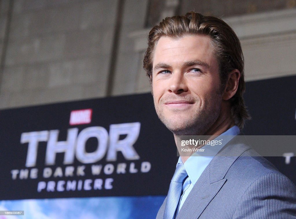 Actor <a gi-track='captionPersonalityLinkClicked' href=/galleries/search?phrase=Chris+Hemsworth&family=editorial&specificpeople=646776 ng-click='$event.stopPropagation()'>Chris Hemsworth</a> arrives at the premiere of Marvel's 'Thor: The Dark World' at the El Capitan Theatre on November 4, 2013 in Hollywood, California.